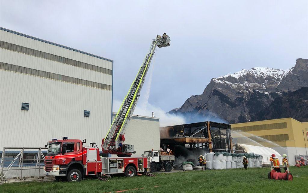 In fiamme un capannone a Maienfeld