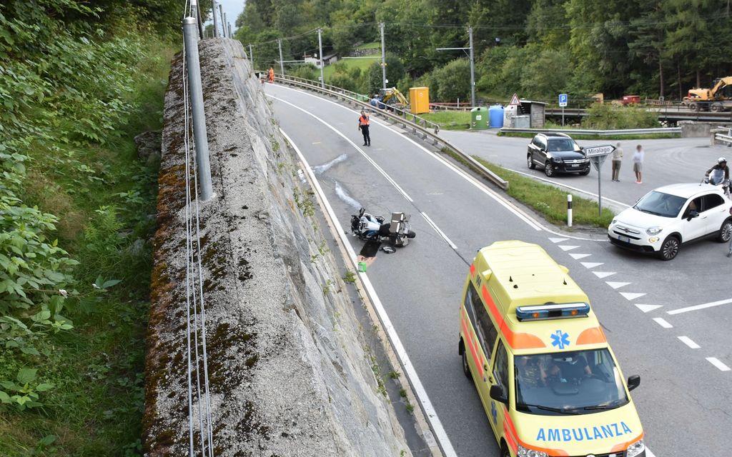 Collisione fra una moto e un'auto a Miralago