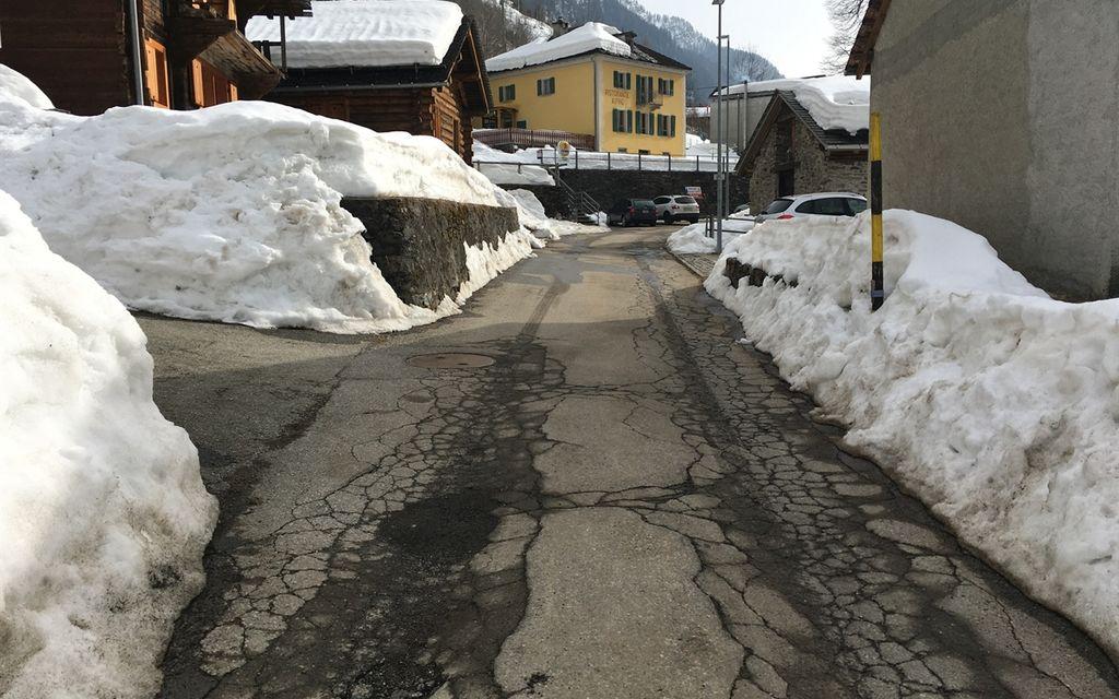La strada cantonale a Rossa va risanata