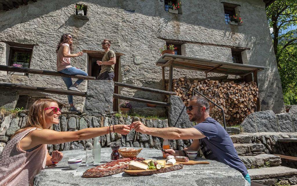 Ticino e Grigioni i cantoni più simpatici