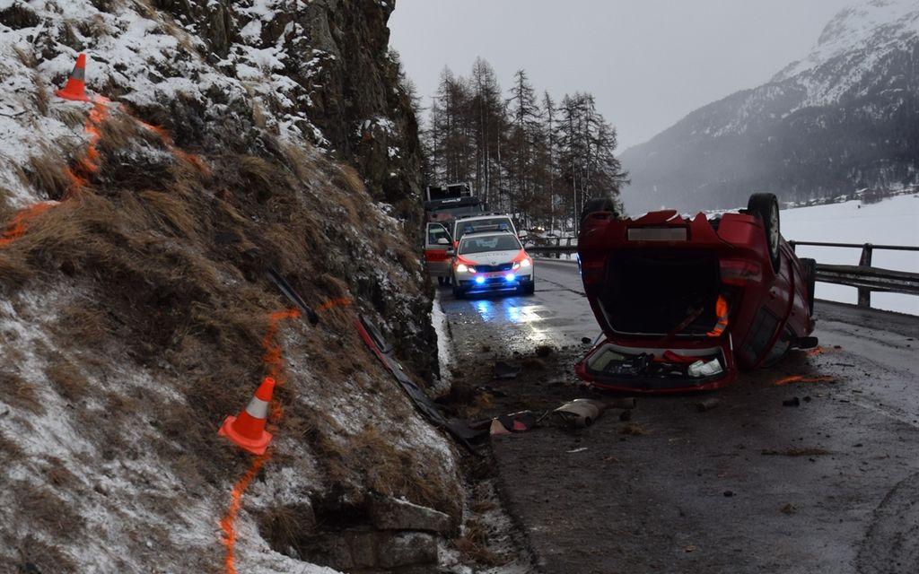 Silvaplana: auto distrutta, ma nessun ferito