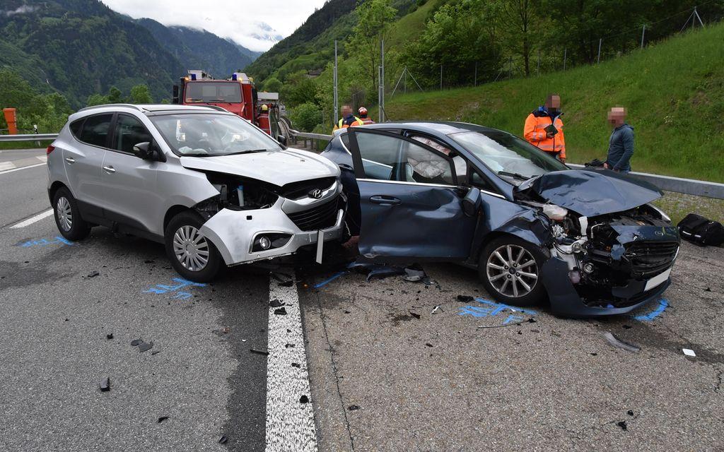 Due feriti in un incidente stradale a Mesocco