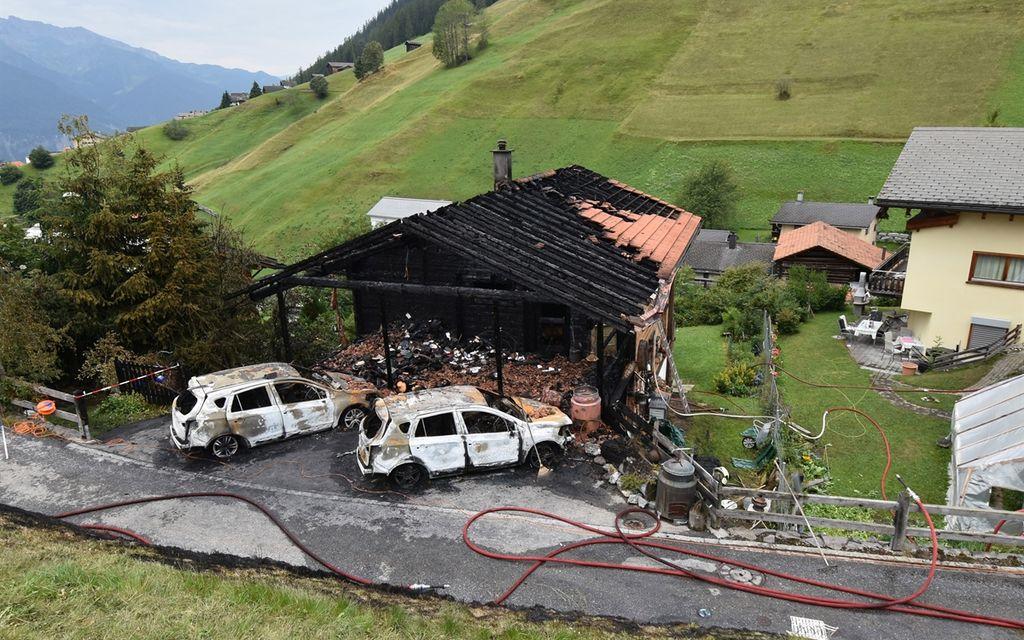 Wiesen (GR): incendio distrugge casa e veicoli
