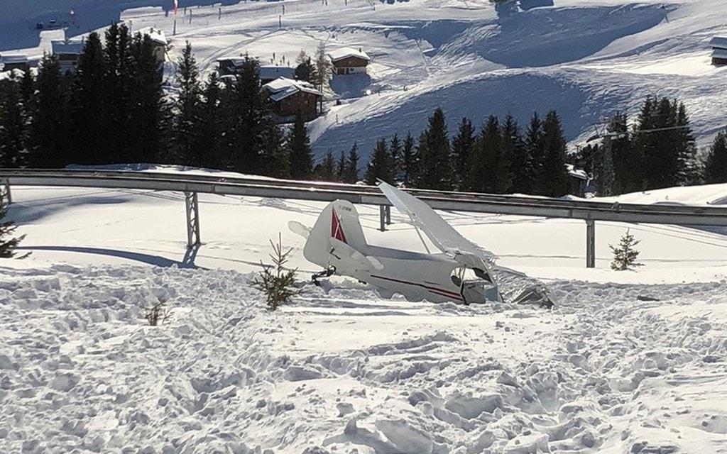 Morto il pilota dell'aereo precipitato a Arosa