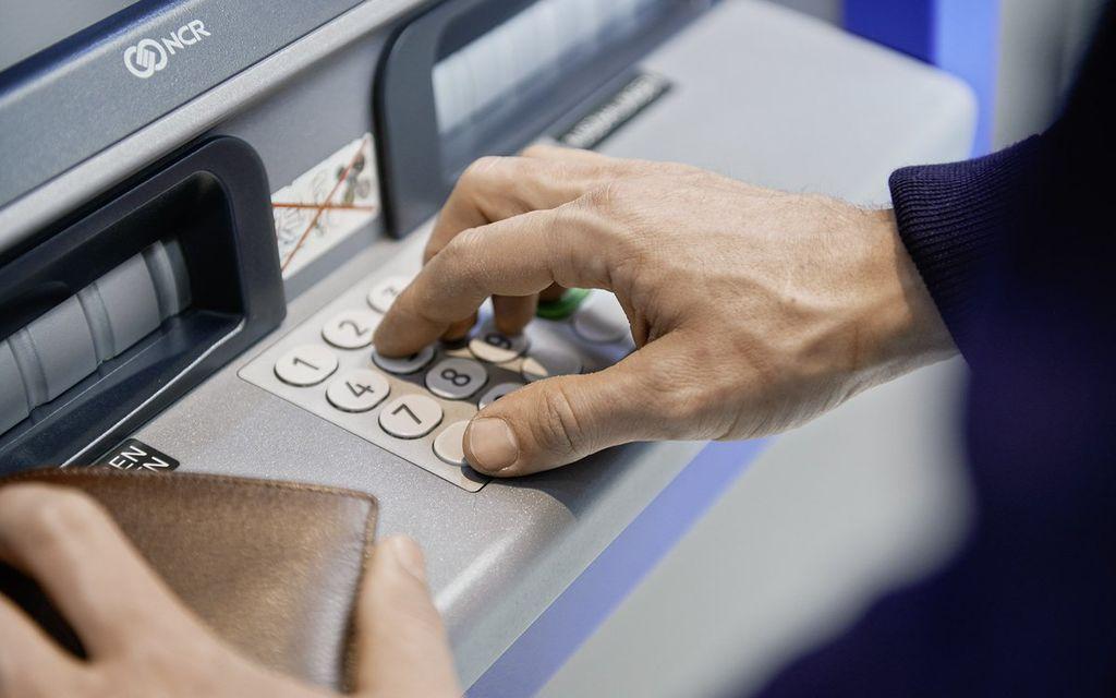 Nuova ubicazione per il bancomat BCG a Grono