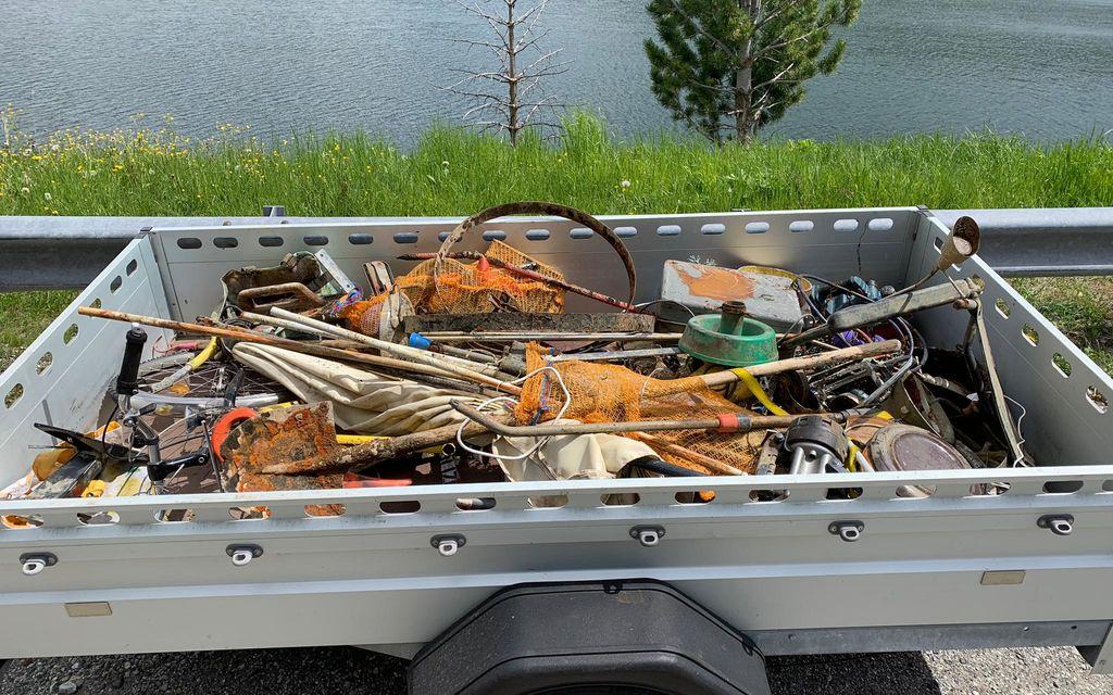 Recuperati rifiuti nel lago di Maloja