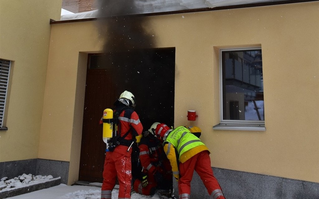 Davos: incendio in officina