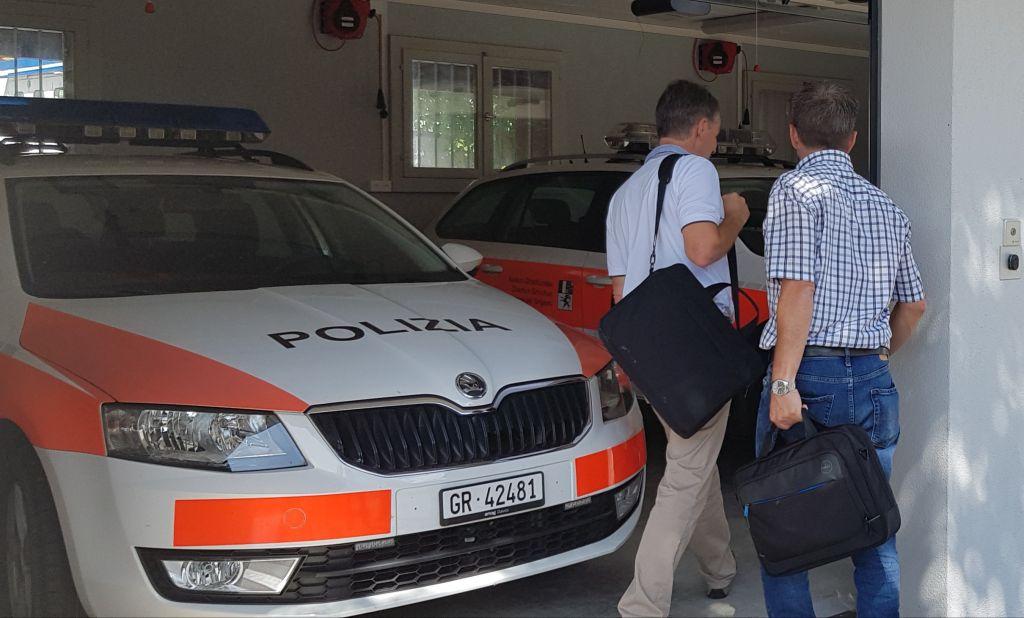 Polizia02 F9769